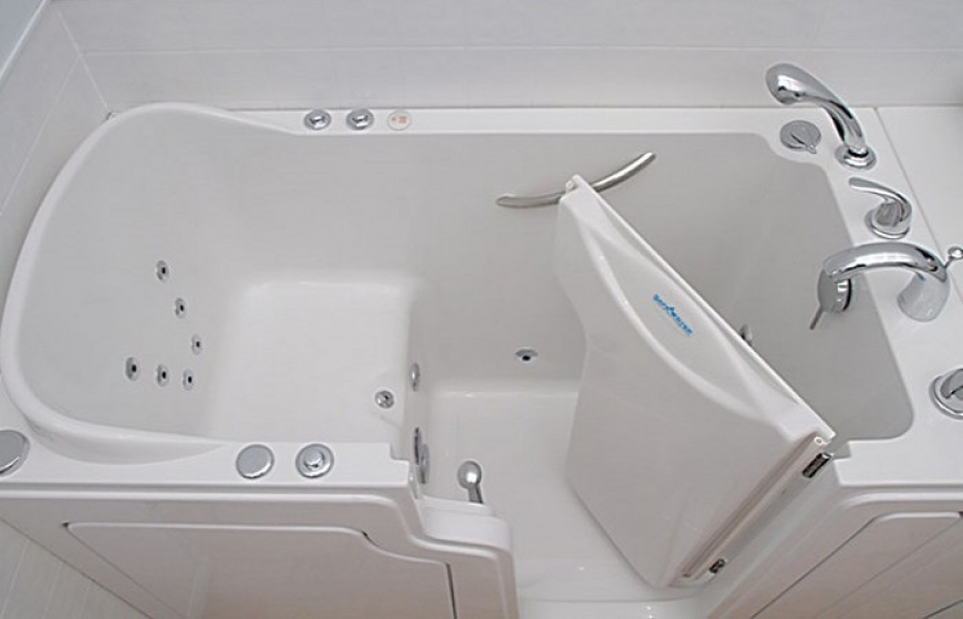 Walk in bathtubs reviews 28 images walk in 27 x 47 for Most comfortable tub reviews